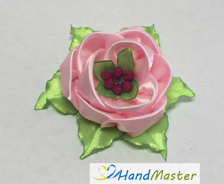 """Брошка """"Бутон Трояндочки світло-рожевий"""""""